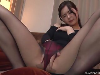 Solo Japanese MILF model Kumamiya Yoshino masturbates approximately pantyhose