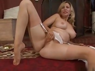 Sexy Girlfriend Handjob Swallow