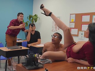 dirty teacher Anissa Kate wants to get fucked by a dude fro get under one's classroom