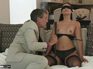 Young diminutive Andreina Deluxe deeply fucked by Steve Holmes