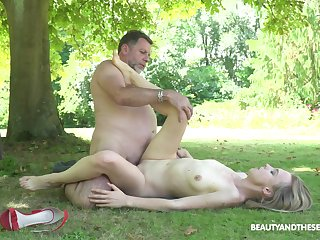 Age-old man tries young pussy out in the helter-skelter yard