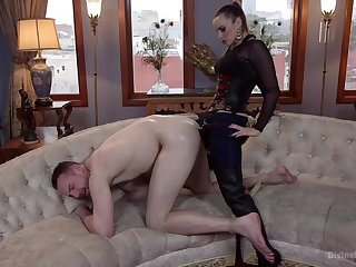 Strap-on anal for her male attendant before sitting aloft his face