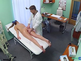 Gloominess chick Jenny Simons gets a full congregation exam all round cumshot