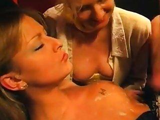 dans un sexual connection shop 2