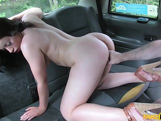 Sweet amateur ends up screwing for a ride home