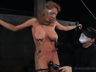 Unerring tits blondie Rain DeGrey moans by means of hardcore throes