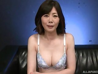 Sweet Japanese MILF Takeuchi Rie gets their way pussy pleasured with toys