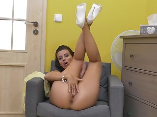 Watch astounding Vicky Love as she pleasures her cravings atop a chair
