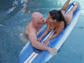Great synthesize fuck wide the surfing trainer for busty Lela Star